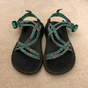girls chaco sandals